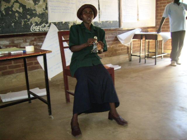 Demonstrating Female condom